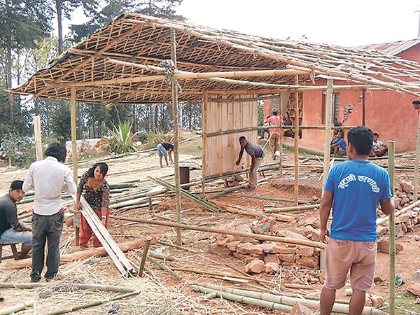 bhutanese refugees build bamboo huts the kathmandu post
