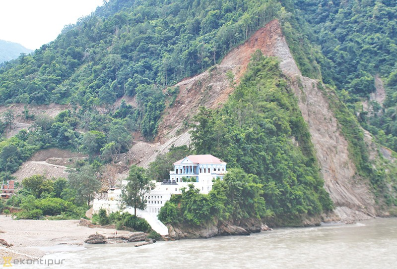 Rani Mahal faces twin danger from landslide and erosion