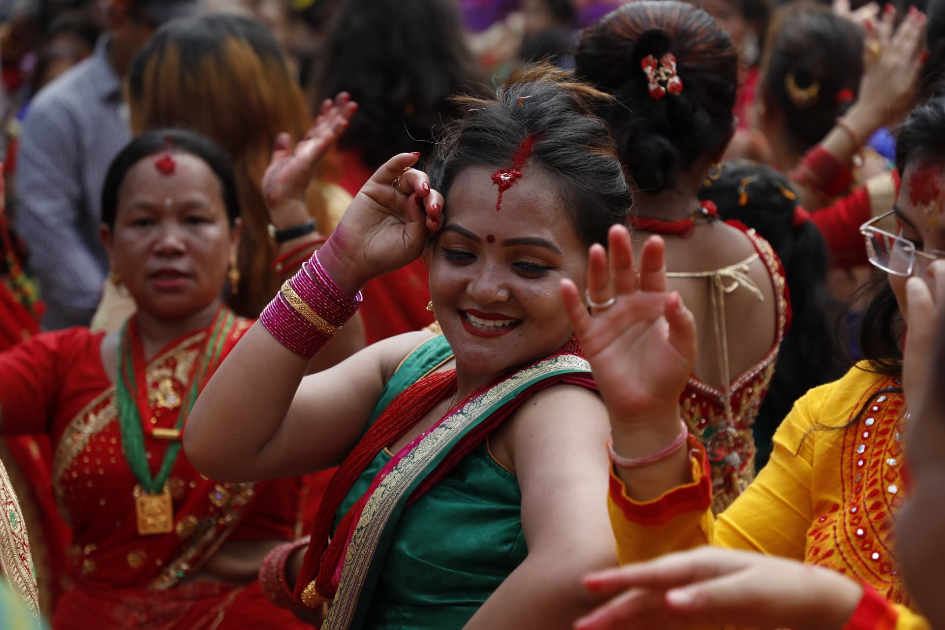 hindu single women in falls This was enabled through unwavering devotion to the hindu god of preservation,  lord vishnu  single women should avoid going out alone in public places  during  find out when the holi festival falls each year in india.