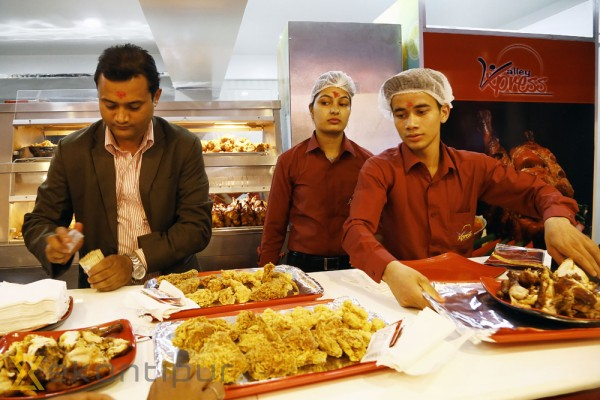 Restaurants to stop levying service charge on diners