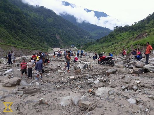 Traffic along Barhabise-Kathmandu section halted after landslide at Juro