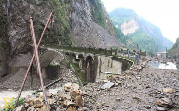 Flood alert issued in Sindhupalchok as landslide partially blocks Bhotekoshi
