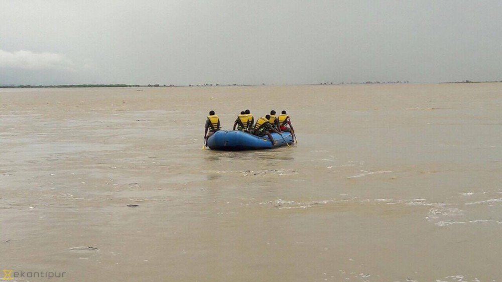 Boat operation in Saptakoshi banned for time being