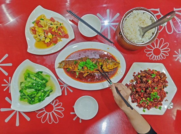 Man Tang Hong might not be the cleanest or the most refined, but it's Sichuan cuisine is often good, sometimes bad--it's a gamble.