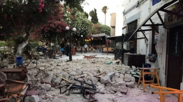 Strong earthquake off Turkish-Greek coasts kills two, injures scores