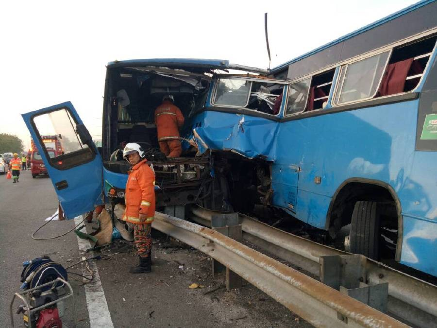 road accidents malaysia Malaysia is considered relatively safe for driving compared to other developing countries but if we observe past years' and recent road accidents statistics/reports, we can perceive that the propensity of road accidents in malaysia is on the rise.