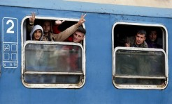 EU urges Hungary to ensure migrant holding camps comply with asylum rules