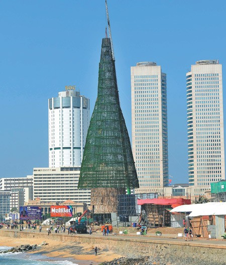 worlds tallest xmas tree pruned due to work delays - Worlds Tallest Christmas Tree
