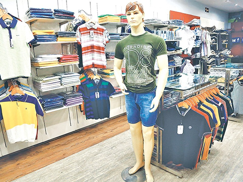 Valley stores roll out new range of summer clothing - Money - The ...