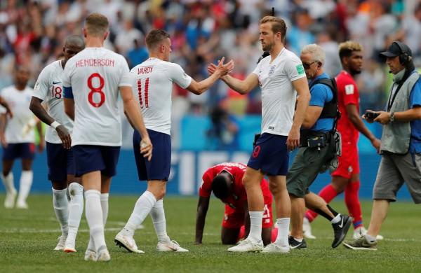 England march into last 16 after thrashing Panama 6-1